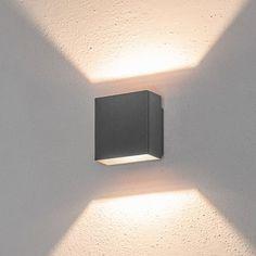 08175: Diese LED-Wandleuchte mit modernem Design spendet ein sehr elegantes Licht. Die zwei Lichtkegel, die nach oben und nach unten mit symmetrischen Lichtwink