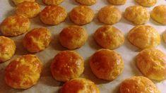 Τυροπιτάκια εύκολα σε 15 λεπτά μόνο και με λίγα υλικά !!! 1 κούπα ηλιέλαιο 1 κεσεδάκι γιαούρτι 1 πρέζα αλάτι 2 κούπες αλεύρι και λίγο παρ... Greek Appetizers, Greek Recipes, Pretzel Bites, Muffin, Favorite Recipes, Bread, Baking, Breakfast, Food