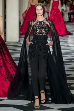 Zuhair Murad Herbst/Winter - Couture The Effective Pictures We Offer You About Runway Fashion versace A quality picture can tell you many things. You can find the most beautiful pictures tha Zuhair Murad Mariage, Zuhair Murad Bridal, Zuhair Murad Dresses, Zuhair Murad 2018, Black Women Fashion, Look Fashion, Runway Fashion, Fashion Show, Fashion Trends