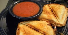 So super simple yet so good and tasty! Grilled Pizza Sandwiches made in the sandwich maker! Think of the possibilities... Why didn'...