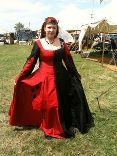 New gown/costume - 14th Century Harley Quinn | The Windstone Editions Forum