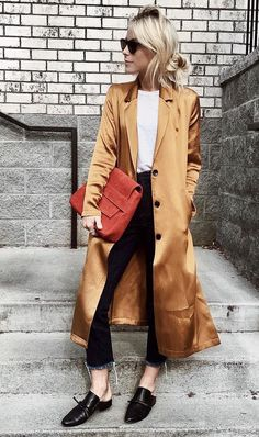 Try out a gold metallic coat to give your outfit a pop this winter. Let DailyDressMe help you find the perfect outfit for whatever the weather! Fashion Weeks, Fast Fashion, Moda Fashion, Retro Fashion, Fashion Trends, Women's Fashion, Fashion Clothes, Fashion Outfits, Looks Street Style