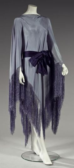 Vionnet Dress - c. 1921 - Attributed to Madeleine Vionnet - Dress-fringed crepe shawl - Kyoto Fashion Institute - @~ Mlle