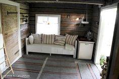 pihasaunan remontti - Google-haku Entryway Bench, Finland, Storage, Google, Furniture, Home Decor, Entry Bench, Purse Storage, Hall Bench