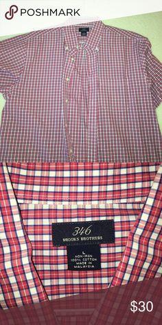 Excellent condition Short Sleeve shirt Excellent condition Short Sleeve shirt Brooks Brothers Shirts Dress Shirts