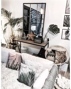 27 Boho Traditional Decor Style To Update Your Home Living Room Interior, Home Interior, Living Room Decor, Bedroom Decor, Interior Design, Decoration Inspiration, Room Inspiration, Decor Ideas, Paint Colors For Living Room