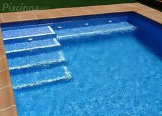 Imágenes de Sky Piscinas - Piscinas.com Backyard Pool Designs, Small Backyard Pools, Swimming Pools Backyard, Swimming Pool Designs, Pool Steps Inground, Pool Pavers, Piscina Rectangular, Build Your Own Pool, Building A Swimming Pool