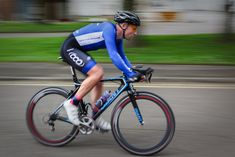 Triathlon is a multisport that includes running, swimming and cycling. This articles includes running tips to prepare oneself for the upcoming Triathlons. Training Plan, Running Training, Running Tips, Cycling Tips, Cycling Workout, Half Marathon Training, Marathon Running, Road Bike Brands, Cycling Events