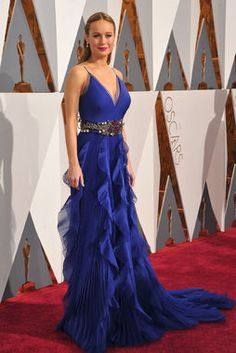 'Room' actress Brie Larson looked so sophisticated in this heavenly blue frock on the 2016 Oscars red carpet.