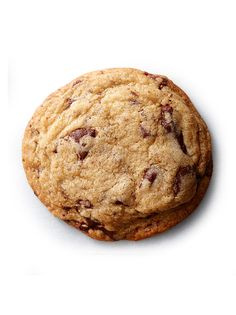 Chef and Food Network personality Alton Brown shares his recipe for deliciously ooey-gooey chocolate chip cookies.