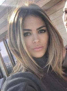 Ideas hair color balayage brunette caramel face framing Ideas hair color balayage brunette c Haircuts For Long Hair, Hairstyles With Bangs, Cool Hairstyles, Short Haircuts, Bob Hairstyle, Middle Hairstyles, Haircut Short, 2015 Hairstyles, Casual Hairstyles