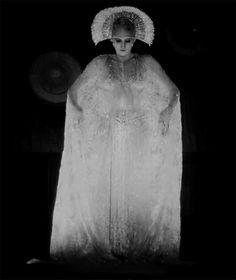 Brigitte Helm in Metropolis (Fritz Lang, 1927) viap-a-r-a-f-f-i-n-pixxie
