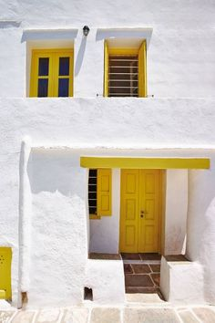 Sifnos: the most delicious Greek island A traditional house in Sifnos, Greece Best Greek Islands, Greece Pictures, Places In Greece, Greek House, Greece Holiday, Traditional House, House Colors, Greece Travel, Beautiful Places