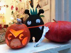www.diebuntique.at Pumpkin Carving, Happy Halloween, Toys, Instagram Posts, Fun, Fin Fun, Toy, Pumpkin Carvings, Games