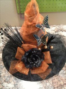 me ~ Dollar store witches hat DIY! Halloween Witch Hat, Theme Halloween, Diy Halloween Decorations, Holidays Halloween, Halloween Crafts, Holiday Crafts, Happy Halloween, Fall Crafts, Holiday Fun