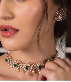 Gorgeous diamond set for gorgeous lady Diamond Earrings Indian, Diamond Necklace Set, Diamond Jewellery, Dimond Necklace, Indian Necklace, Chocker Necklace, Diamond Bracelets, Chokers, Gold Necklace