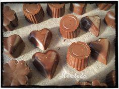 Chocolate Candy Molds, Chocolate Treats, No Egg Desserts, Honey Pie, Chocolate World, Artisan Chocolate, Fat Foods, Candy Making, Fudge