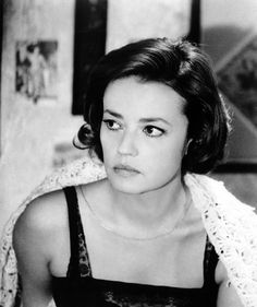 WhyJeanneMoreauis Our Parisian Style Muse This Fall