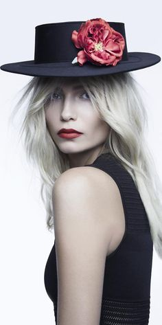 !!! Perfet red lip !!!                                                   Natasha Poly by Patrick Demarchelier