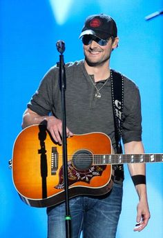 will be seeing him in NASHVILLE on CINCO DE MAYO on the wknd of my 21st BDAY!!