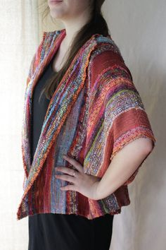 Handwoven Jacket Woven Wrap Autumn Dreams by barefootweaver Chaqueta tejida a mano Woven Wrap Autumn Dreams por barefootweaver Loom Weaving, Hand Weaving, Woven Wrap, Weaving Textiles, Weaving Projects, Handmade Clothes, Sewing Clothes, Woven Fabric, Clothing Patterns