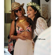 In other news, while @beyonce and Hov were celebrating #BeyDay in #Italy, Queen Bey made one unsuspecting bride's day. She popped up during a wedding ceremony and snapped a cute pic with the blushing bride.  All im thinking is how can this happen at my wedding, next birthday, while Im getting birth.... #LoveHer #Beyhive