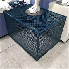 Blue Expanded Metal Display Base – Fixtures Close Up Kiosk Design, Store Design, Metal Furniture, Furniture Design, H&m Store, Expanded Metal, Metal Screen, Store Fixtures, Retail Interior