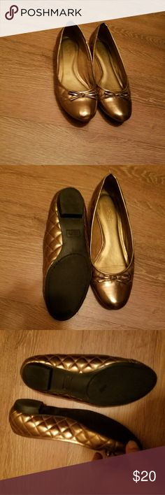 Ann Taylor Loft shoes. These beauties are very comfortable. In great condition. Size 9. Gold Ann Taylor Loft Shoes Flats & Loafers