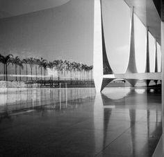 """Brasilia: """"Jeux de lumières des bâtiments"""" © Lucien Clergue. Courtesy Lucien Clergue"""