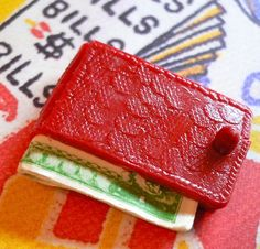 TINY WALLET CHARM 1960s Vintage Vending by cOveTableCuriOsitiEs