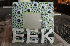 DIY instructions for a Halloween picture frame