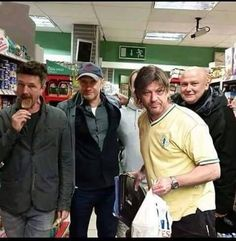 Game of thrones cast shopping. This would be really weird running into