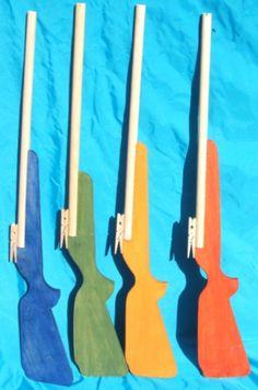 spade e armi di legno