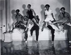 20 Ways to Become a Great Lindy Hopper (Picture: Whitey's Lindy Hoppers rehearsing for Hellzapoppin' 1941)