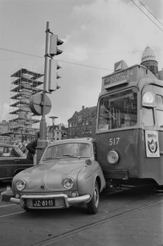Old Vintage Cars, I Amsterdam, Rotterdam, Car Crash, Delft, Public Transport, Old Photos, Dutch, Classic Cars