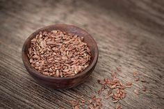 The benefits of flax seeds added to a woman's diet are many. Here's taking a look at how they are beneficial, and some easy recipes using flax seeds. High Fiber Low Carb, High Fiber Foods, Flax Seeds Health Benefits, Low Carb Recipes, Dog Food Recipes, Easy Recipes, Linseed Flaxseed, Seed Cycling, Fertility Foods