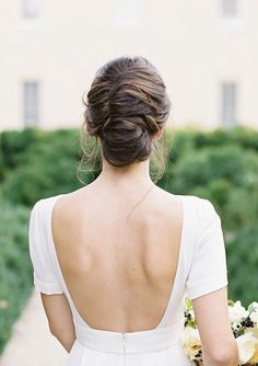 Messy French Chignon Bridal Hairstyle,messy Fresh twist bridal hairstyle ,wedding hairsytles #weddinghairstyles #updo #frenchtwist #chignon