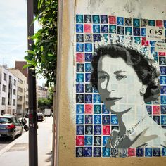 Recyclage de vieux timbres anglais pour rendre hommage a la Reine Elisabeth. Par @c_plus_s_street_art #cpluss #queenelizabeth #queen #cplussstreetart #streetart #streetartist #urbanart #graffiti #wall #streetphoto #spray #bombing #stencil #stencilart #pochoir #nirindastreet #artcollector #artlover #artdealer #labutteauxcailles #paris Street Art, Elisabeth, Paris Photos, Urban, Famous People, Collage, Characters, Queen, Frame