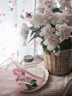 . . . Cabin & Cottage : Spring Things From A Flea