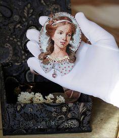 Наша девочка собирается в дорогу! Домой! 🏠👧❤ Её там очень ждут и будут любить ❤ . На последнем фото личико при большом увеличении🌸 . Брошь… Portrait Embroidery, Diy Embroidery, Embroidery Stitches, Thread Painting, Bag Patterns To Sew, Beaded Brooch, Brooches Handmade, Handmade Decorations, Textiles