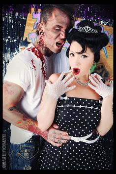Creative Couples Costumes for Halloween or other Fabulous Parties! Cute Halloween Decorations, Theme Halloween, Couple Halloween Costumes, Halloween Crafts, Zombie Costumes, Halloween Ideas, Little Girl Costumes, Zombie Prom, Vintage Horror