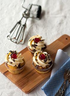Donauwellen-Cupcakes, cupcakes cherries, recipe, chocolate, by www.christinascatchycakes.de