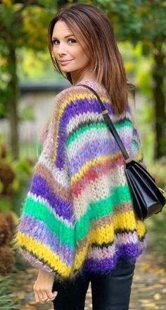 Crochet Jumper, Crochet Gloves, Sweater Knitting Patterns, Knit Crochet, Crochet Patterns, Sweater Scarf, Mohair Sweater, Knitwear Fashion, Sweater Fashion