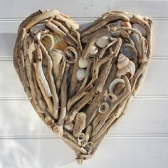 DRIFTWOOD/SEASHELL HEART;  I want to make one of these