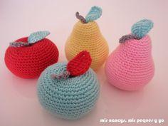 mis nancys, mis peques y yo, peras amigurumi, juego de peras y manzanas