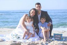 Felicidades ao casal (@sacampanelli/@slimmommybr & @alexandrecampanelli/) pelas bodas de estanho. É sempre muito bom fotografar vocês!  Mais um momento juntos!  #leandromarinofotografia #registrandomomentos #capturandoemocoes #weddingphotography #wedding #wed #bodas #bodasdeestanho #ensaio #ensaiorj #errejota #weddinganniversary #tinAniversary #beach #praia #prainha #riodejaneiro - http://ift.tt/1HQJd81