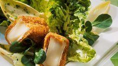 Warmer und schmelzender Camembert in einer Conflakes-Kruste auf Salatbett. Hört sich fast wie ein Gedicht an und schmeckt definitiv auch so … #LoveAtFirstTaste https://youtu.be/xwx7NnPQ44U http://myflavour.knorr.com/de-DE/profiler