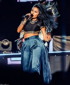 Post by Musician 📷: Yatin Parmar Vidya Vox, Dress Indian Style, Celebs, Celebrities, In A Heartbeat, Indian Beauty, Indian Fashion, Punk, Singer