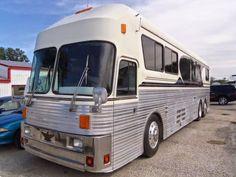 Bus Motorhome, Motorhome Conversions, Bus Camper, Used Buses For Sale, Rvs For Sale, Bus Conversion For Sale, Motor Homes For Sale, Select Comfort, Detroit Diesel