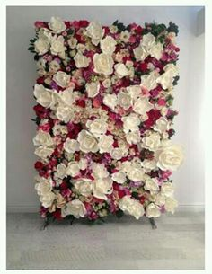 stunning yet simple diy photo booth backdrop ideas Diy Photo Booth Backdrop, Diy Wedding Backdrop, Wall Backdrops, Floral Backdrop, Diy Wedding Flowers, Diy Flowers, Wedding Decorations, Backdrop Ideas, Wedding Photo Backdrops